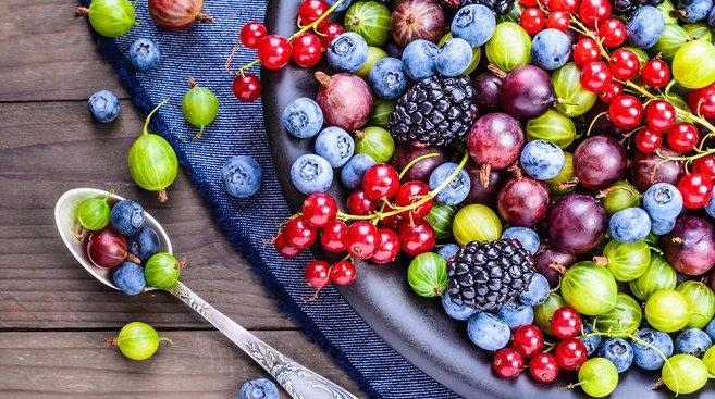 ¡Antioxidantes, los mejores aliados antiaging! Te contamos todo sobre su papel contra los radicales libres