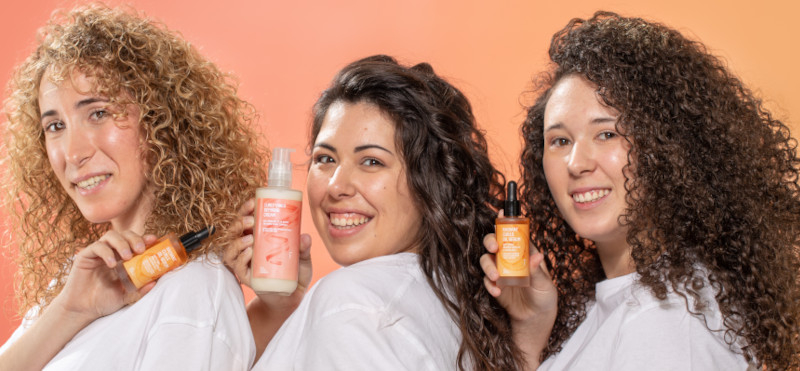 Dry and frizzy curls? Learn how to care for your curly hair with this routine